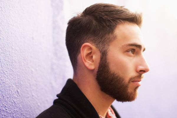 Restauración de barba y bigote